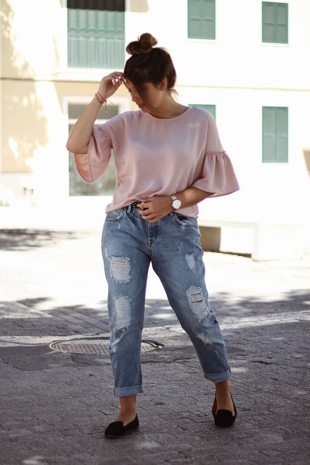 jeans boyfriend, top à volants, mocassins, look, tenue, fashion, mode, style